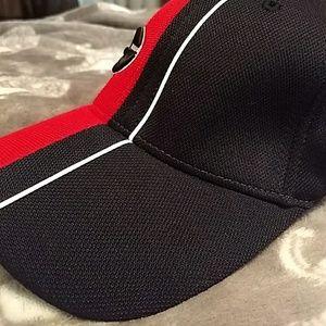 1668376ead2 Nike Accessories - 💎 NWT Georgia UGA Bulldogs Fitted Hat by Nike
